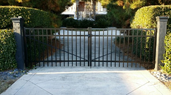 12'  Wide aluminum double drive gate