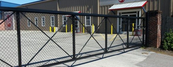 Roll gate at 84 Lumber
