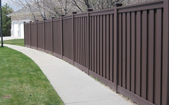 Composite Fence – Woodland Brown