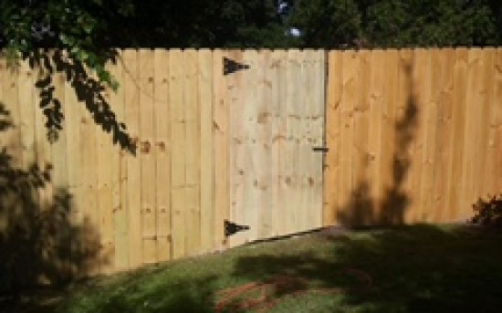 6′ Privacy Fence with walk gate
