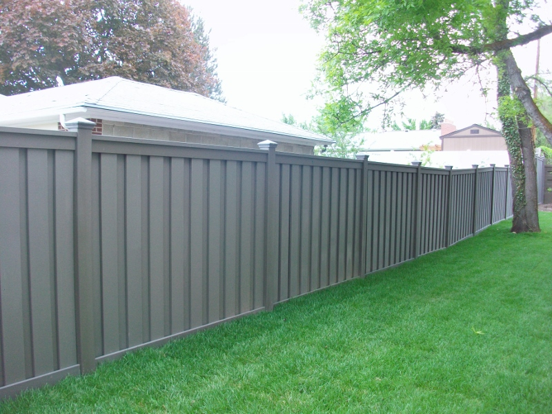 trex-fencing-winchester-grey-3