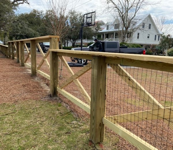 Living Fence with Cross Bows