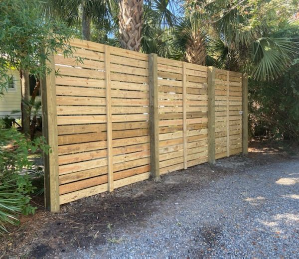 Horizontal Privacy Fence – Built to Last